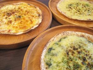 シンプル鉄板ピザ (にんにくピザ・トマトピザ・ジェノベーゼピザ)